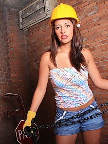Horny Latina babe with a nice ass gets talked into fucking in the basement