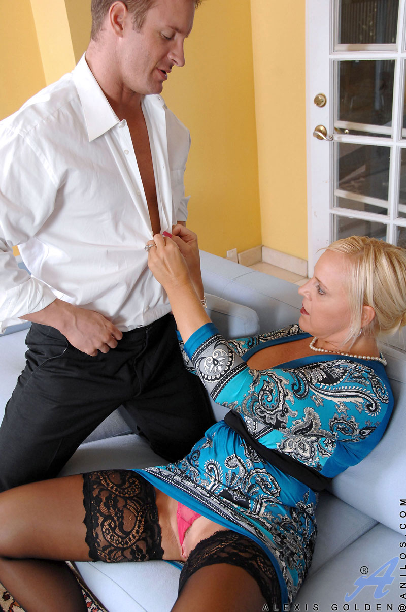 Horny Hunk Cheats While Shes Gone