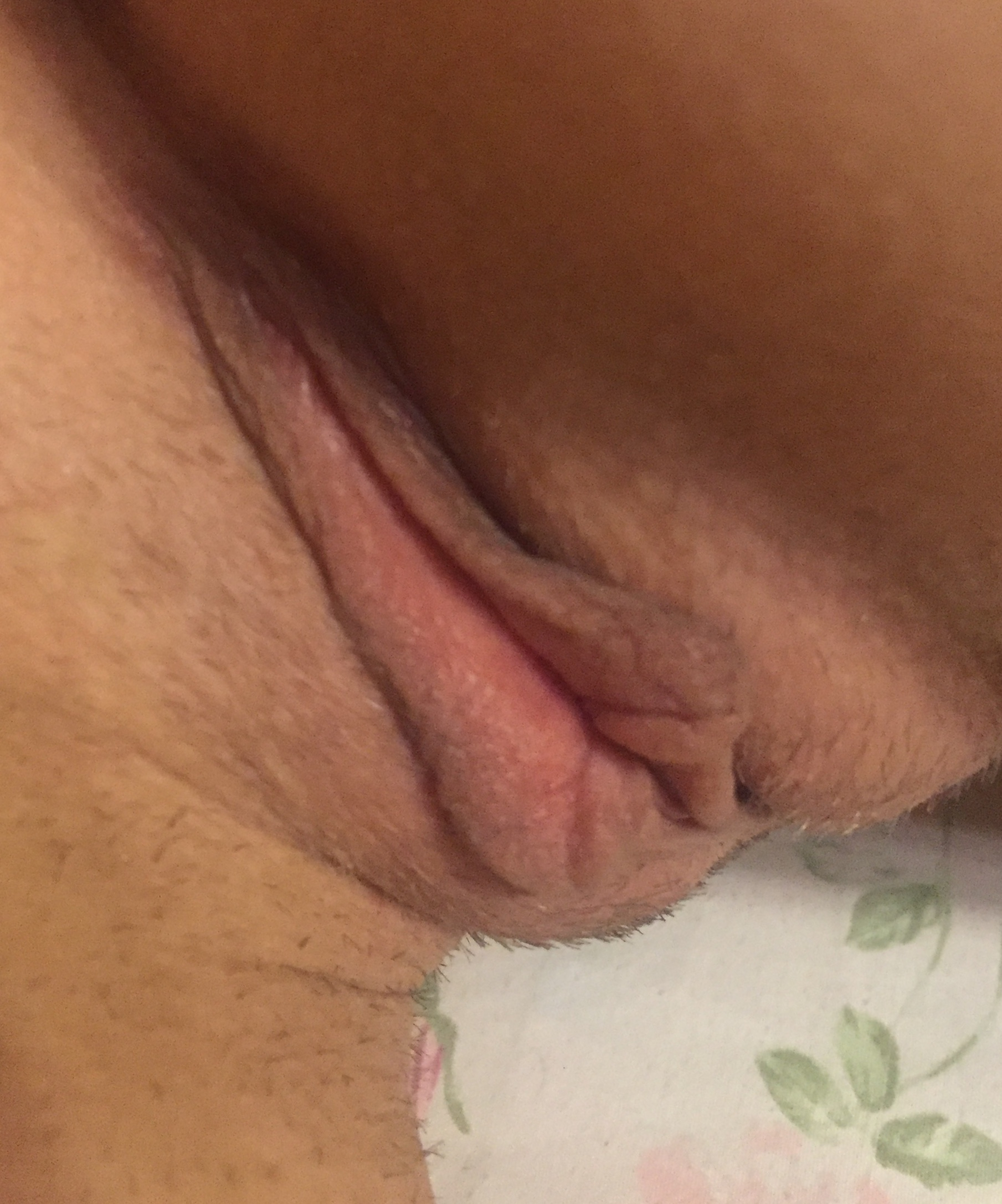 Homemade amateur tries to take huge cock