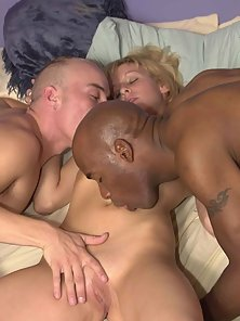 Damn, a three way interracial, bisexual orgy