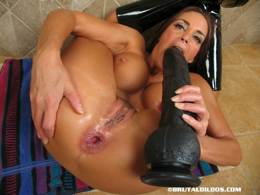 Monster dildo ass pictures