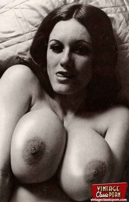 Busty Natural Vintage Girls Showing Their Fine Big Goodies -1299