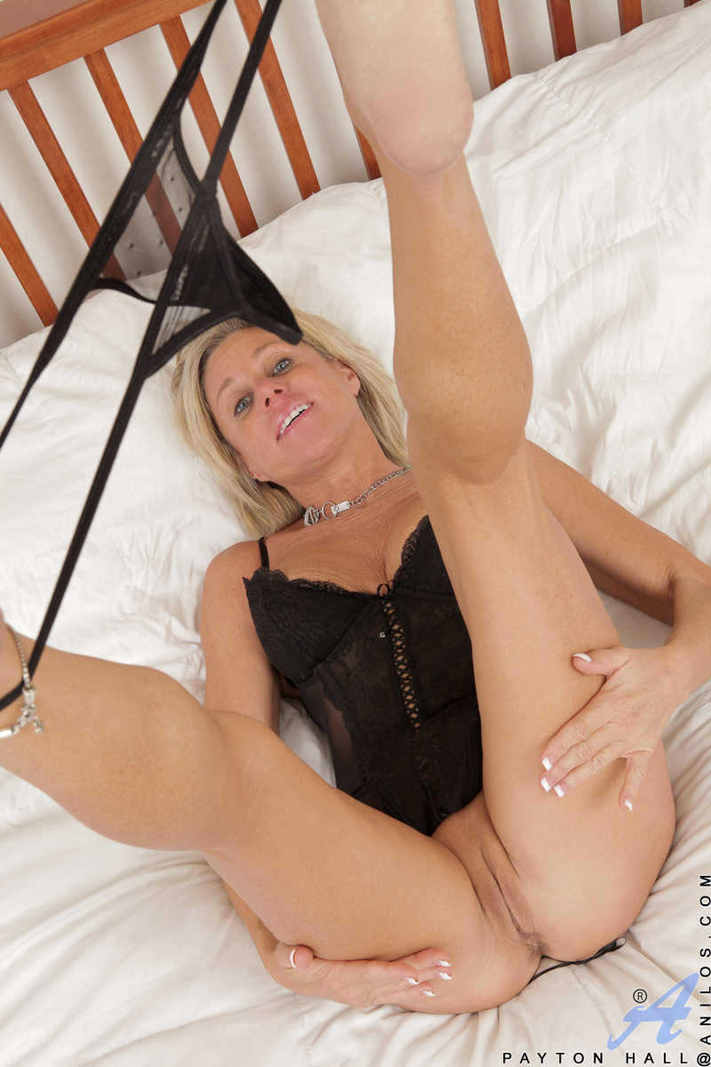 Well! does Thong in her pussy precisely