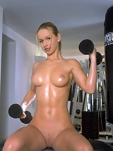 Susana Spears doing the striptease workout