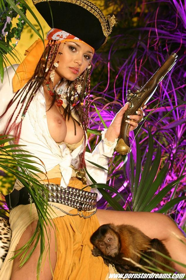 nude-pirate-babes-bloody-pussy-sex-tubes