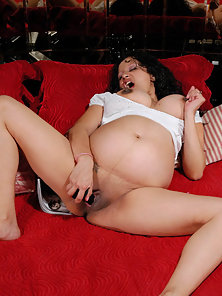 Masterbating pregnant latina cums on cam