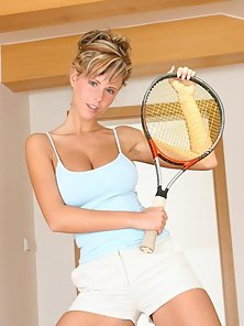 Raylene Richards sports a busty rack at the tennis court