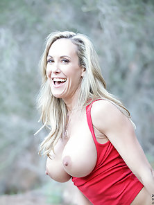 Big Titted Milf Gets Naughty with Her Cum Craving Cunt at Outdoor