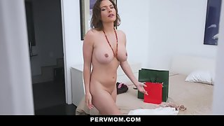 Big Boobs Whore Krissy Lynn Takes Care of the Cock