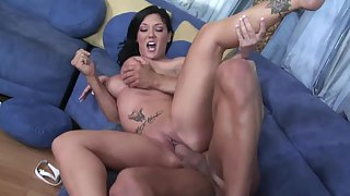 Big Tit Babe on Couch Gets Drilled Her Shaved Twat until Facial