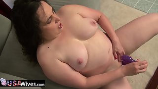 Big Boobs MILF Puts Huge Dildo in Her Hairy Pussy